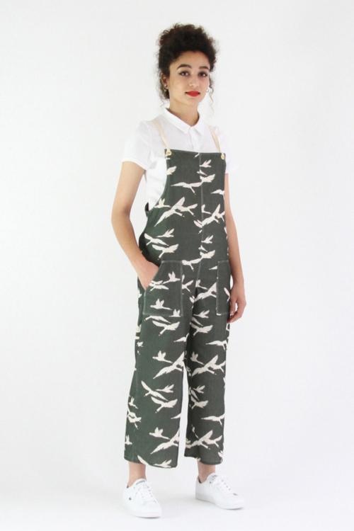 I AM Patterns - Sewing pattern Colibri dungarees women - Long angle