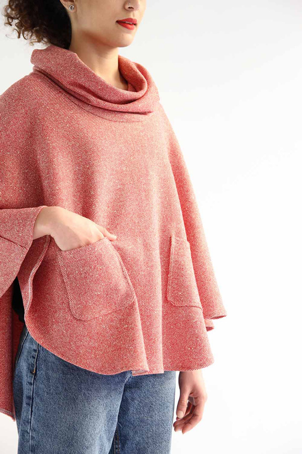 I AM Patterns - Sewing pattern - Mimosa cape - free patched pockets extension - zoom