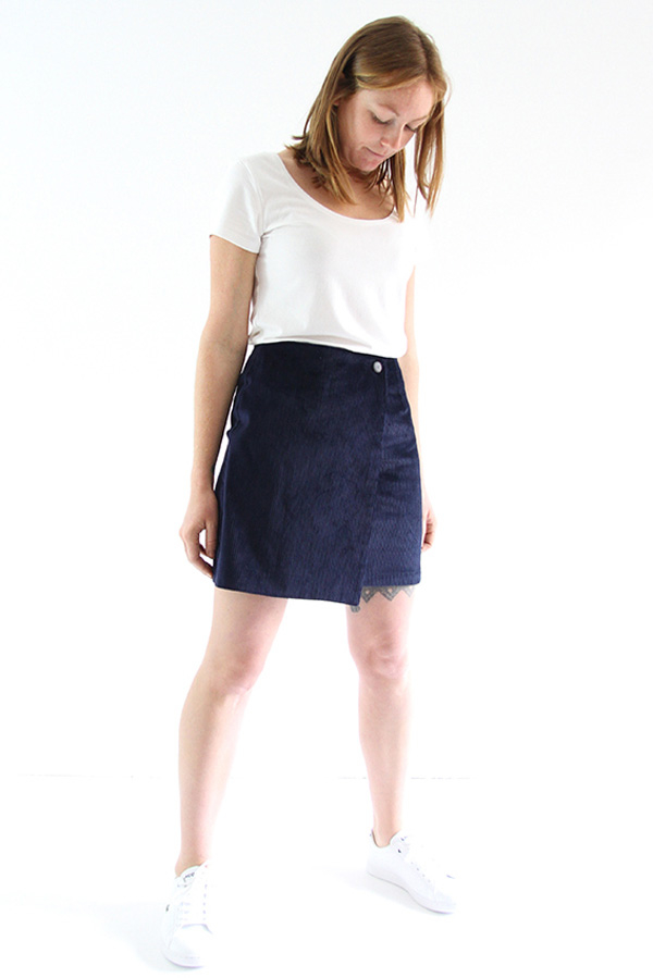 I AM Patterns - Sewing pattern Perrine Wrap skirt - short angle