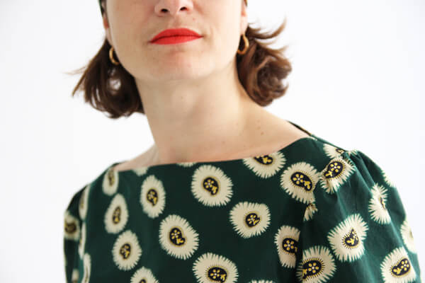 I AM Patterns - patron de couture blouse Joy detail encolure