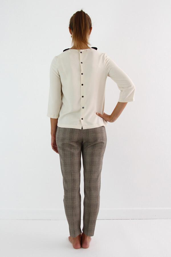 I AM Patterns - patron de couture chemisier Luna patte de boutonnage dos vue dos