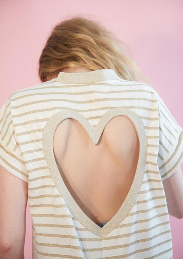 I AM patron de couture t-shirt découpe coeur dans le dos vue de dos version rayée
