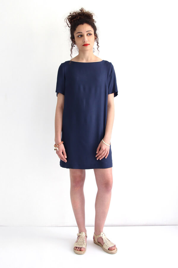 I AM Aphrodite - patron de couture robe droite bleu devant
