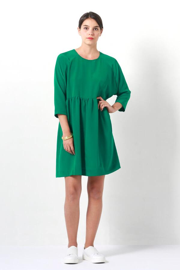 I AM Patterns -Robe Cassiopée - patron de couture - Robe froncée manches chauves souris verte