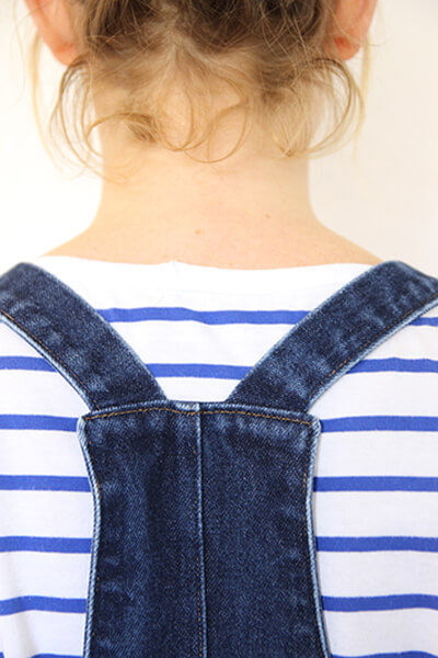 I AM Patterns - sewing pattern Colibri dungarees how to sew classic straps overalls back view zoom