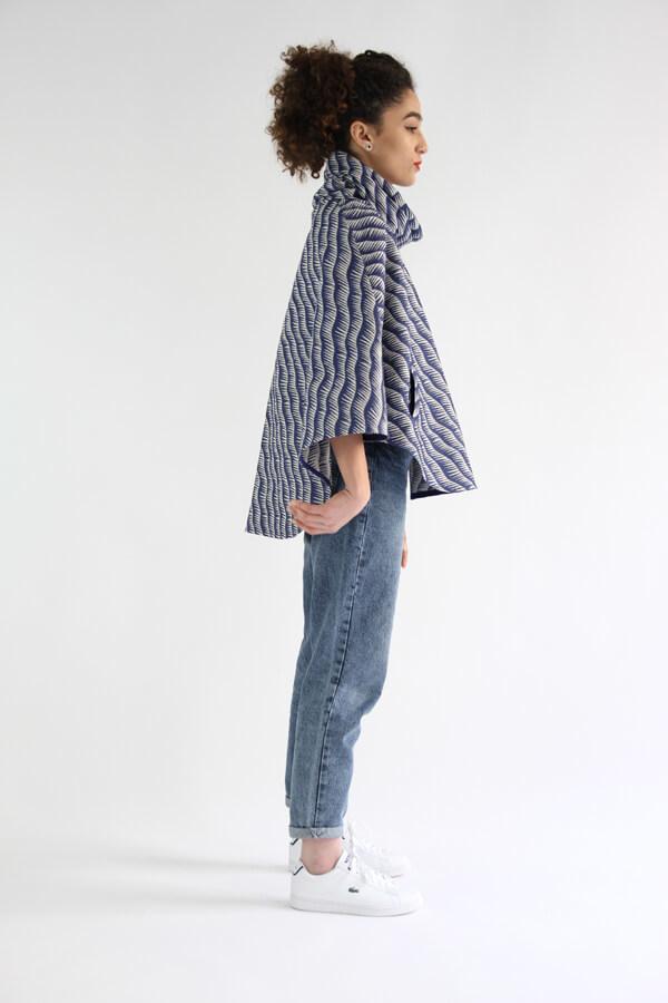 I AM Patterns - Patron de couture Cape Mimosa tissu Henry Henriette profil