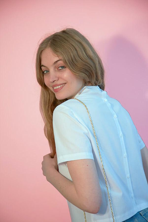 I AM Patterns - Sewing pattern - Juliette shirt - Angle