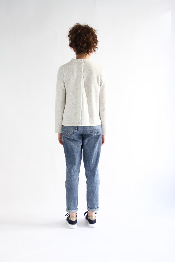 I AM Patterns - Sewing pattern Sirius white Jumper - back view