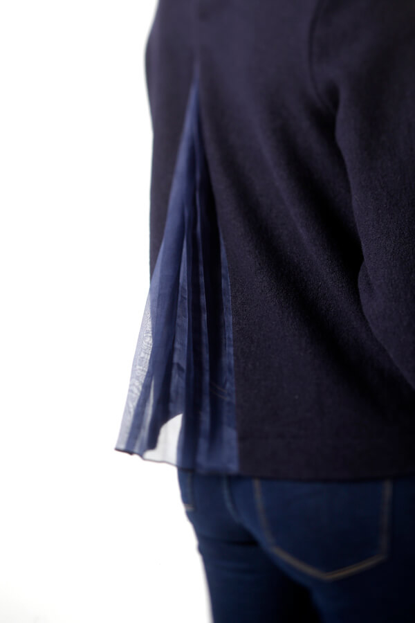 I AM Patterns - Sewing pattern Sirius Navy Jumper - Zoom pleated back