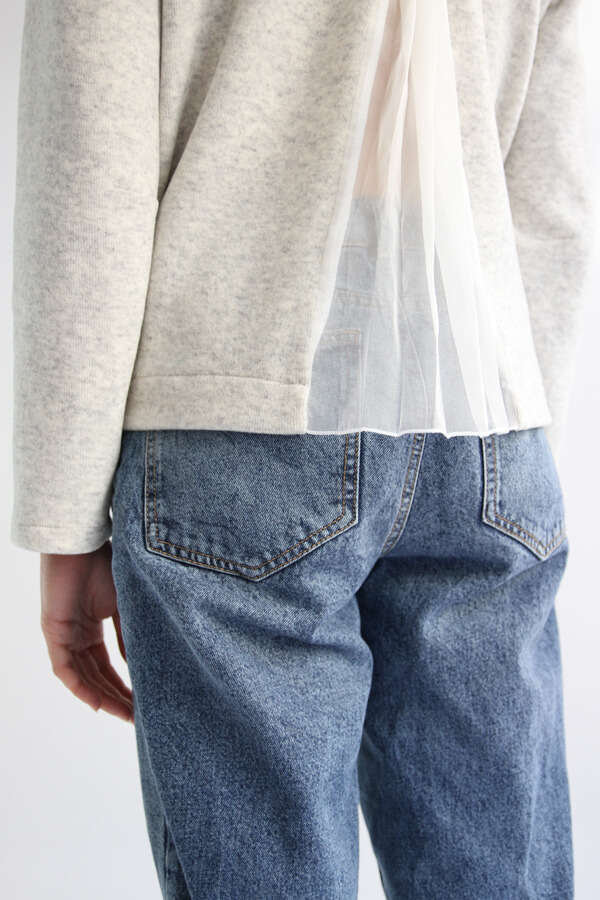 I AM Patterns - Sewing pattern Sirius white Jumper - zoom pleated back
