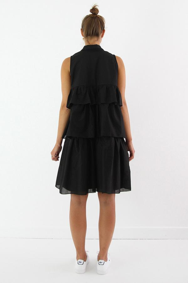 I AM Patterns - Sewing pattern Magdala Ruffles dress - back
