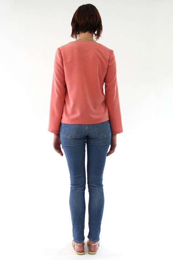 I AM Patterns - Sewing pattern Flora blouse - back