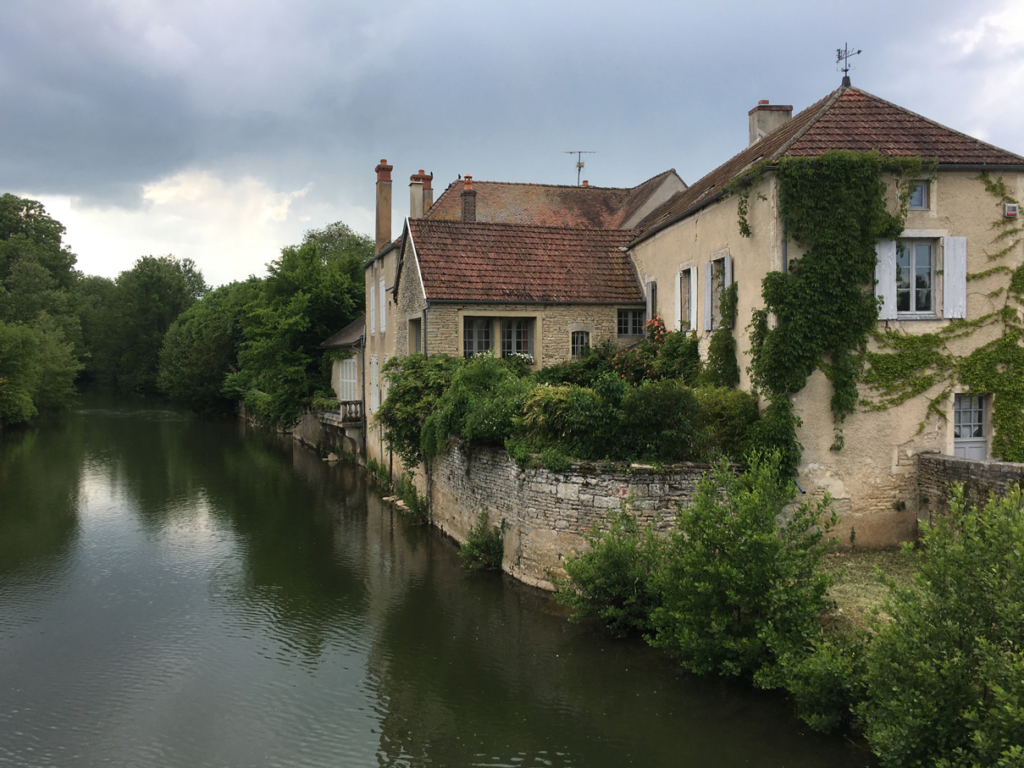 Noyers Sur Serein Bourgogne I Am Patterns Cours De Couture Pont