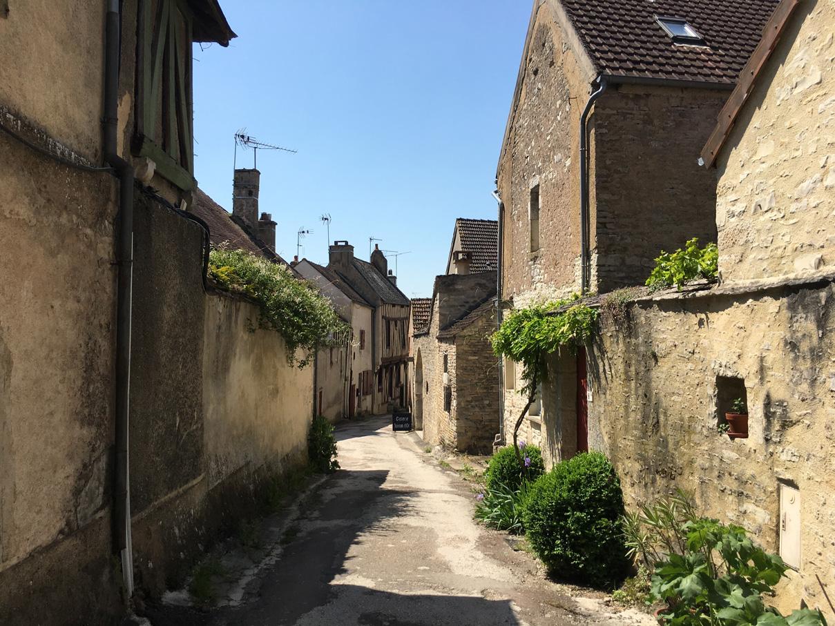 Rue Noyers Sur Serein Bourgogne I Am Patterns Cours De Couture