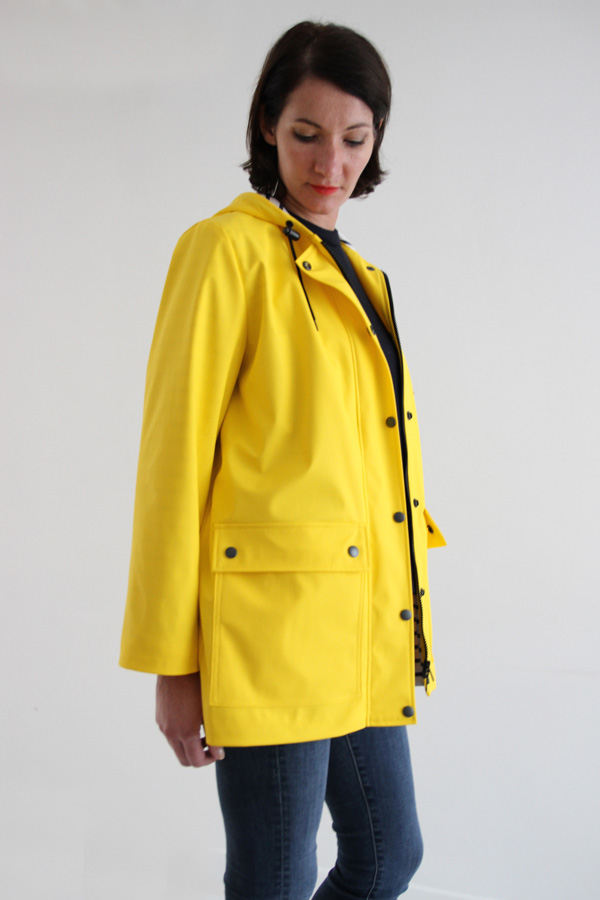 I AM Patterns Jacques Patron Couture Cire Jaune Classique Manteau Pluie Zoom Angle