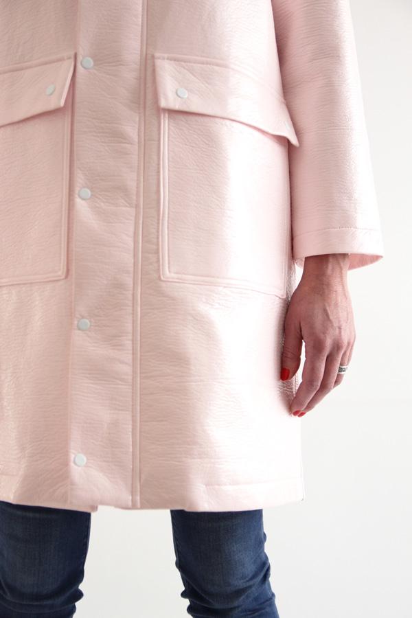 I AM Patterns Jacques Patron Couture Cire Manteau Pluie Long Rose Detail