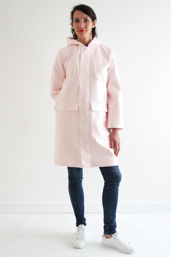 I AM Patterns Jacques Patron Couture Cire Manteau Pluie Long Rose Devant