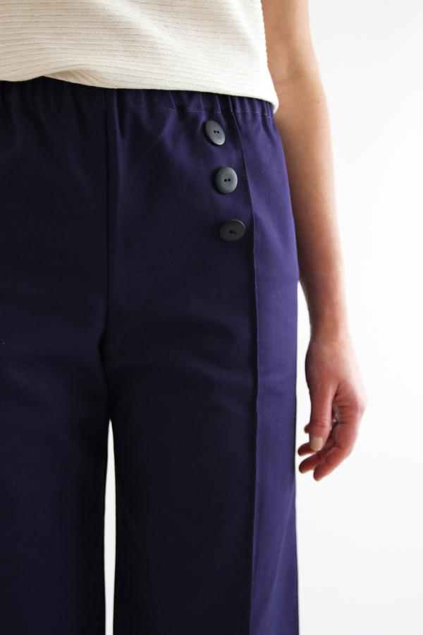 I AM Patterns Armor Patron Couture Pantacourt Simple Detail