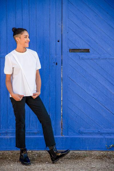 I AM Patterns Patron Couture Blouse Clochette Blanc Porte Bleue Devant