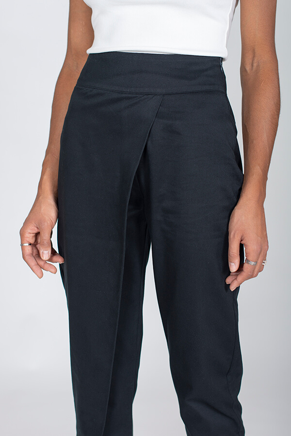I AM Patterns Panoramix asymmetrical tapered trousers sewing pattern black detail front Zoom