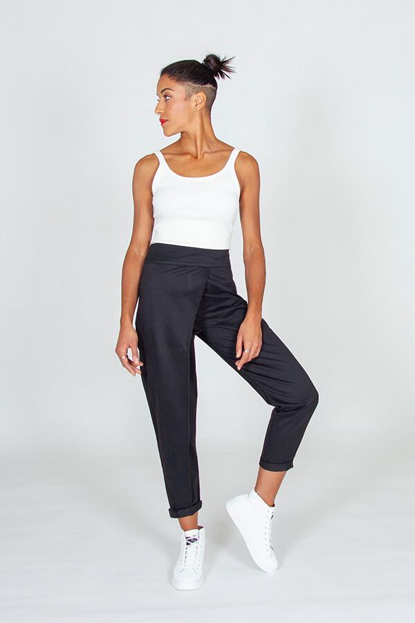 I AM Patterns Patron Couture Panoramix Pantalon noir à plis @la_meuf_qui_coud devant