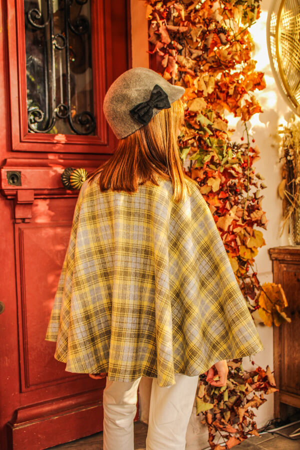I AM Patterns Sewing Pattern Children Cape With Pockets Harry Mini Back @lespipelettesontdesailes